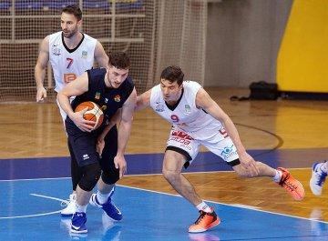 BK Opava - ČEZ Basketball Nymburk (foto Michal Pokorný)