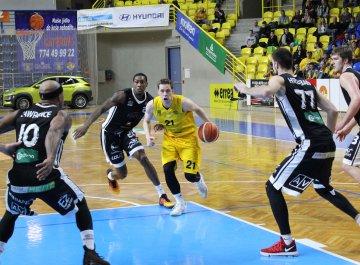 BK Opava - ČEZ Basketball Nymburk (Český pohár)