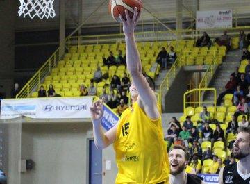 BK Opava - ČEZ Basketall Nymburk